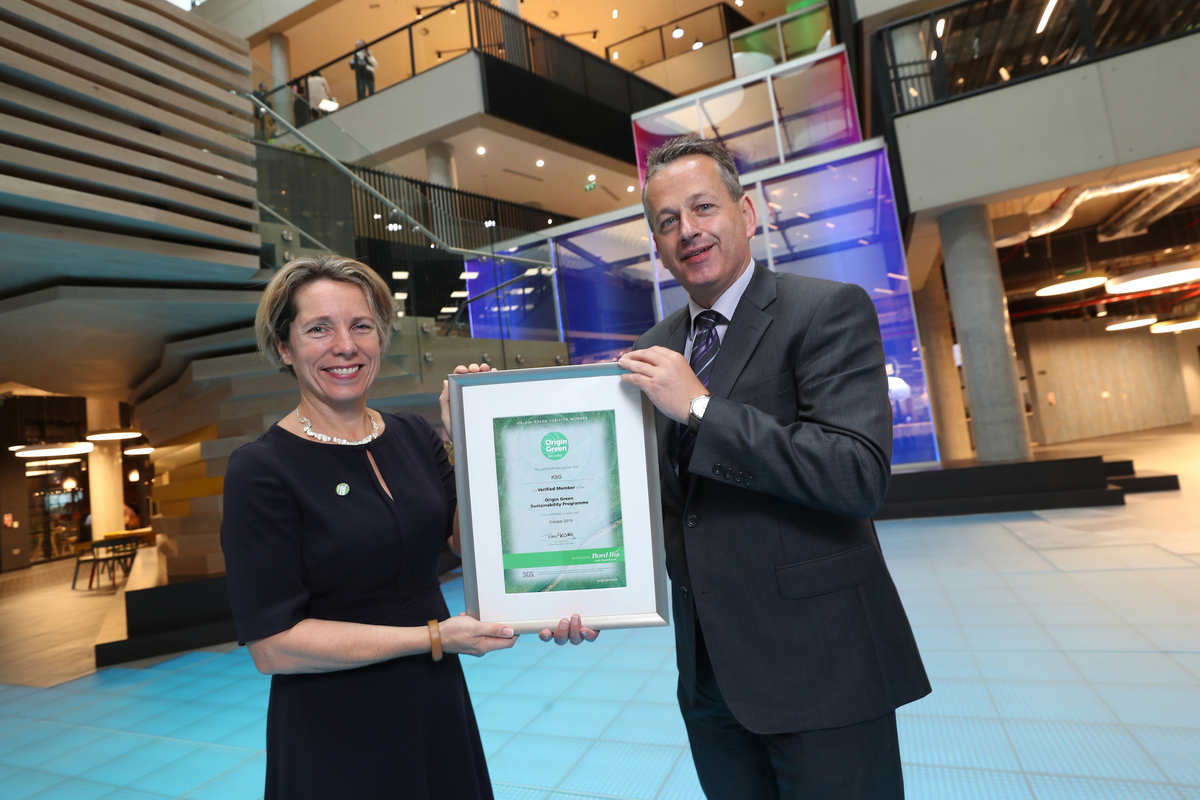 Michael Gleeson (CEO KSG Catering) being presented with the Origin Green Certification by Tara McCarthy (CEO Bord Bia) in the new One Microsoft Place offices in South County Business Park, Leopardstown, Dublin 18. For further information contact Mari O'Leary 01-6789888 marioleary@olearypr.ie