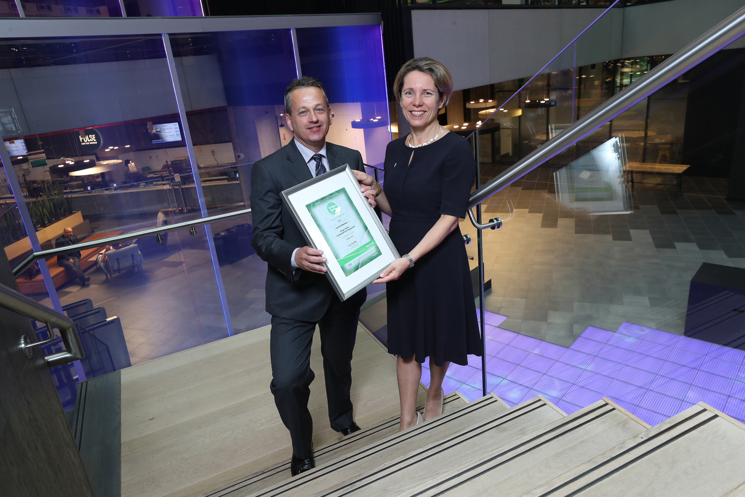 Michael Gleeson (CEO KSG Catering) being presented with the Origin Green Certification by Tara McCarthy (CEO Bord Bia) in the One Microsoft Place offices in South County Business Park, Leopardstown, Dublin 18. For further information contact Mari O'Leary 01-6789888 marioleary@olearypr.ie