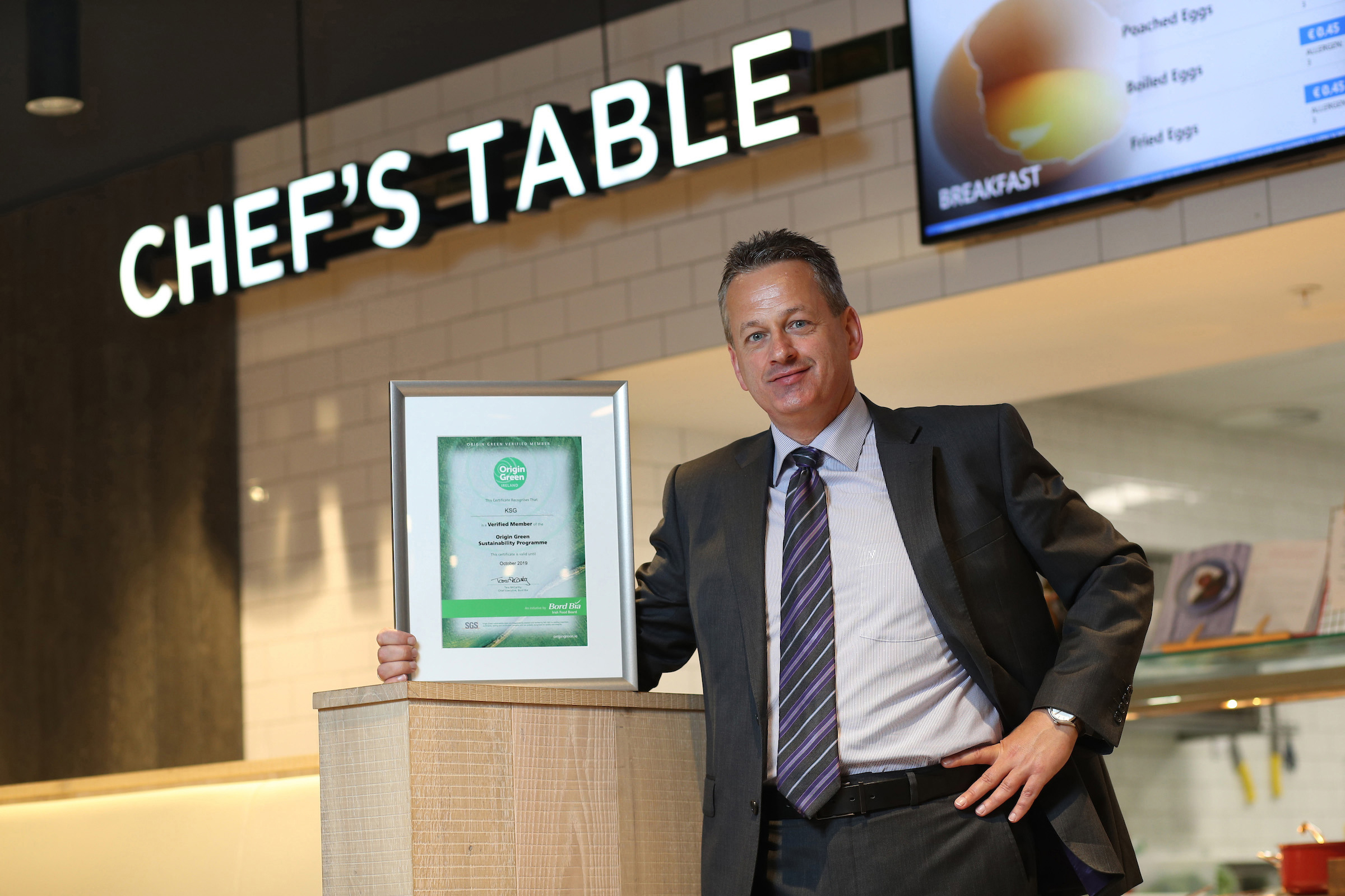 Michael Gleeson (CEO KSG Catering) with the Bord Bia Origin Green Certification at Microsoft One, Leopardstown, Co Dublin.  For further information please contact Mari O'Leary 01 6789888  marioleary@olearypr.ie